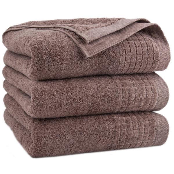 Brązowy ręcznik Paulo firmy Zwoltex.