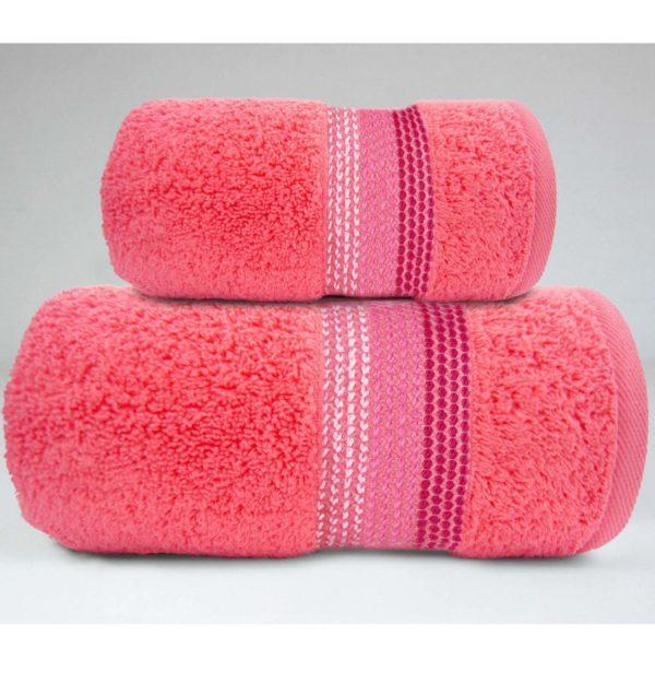 Koralowy ręcznik Ombre firmy Greno.
