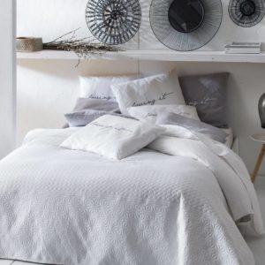 Narzuta Bueno biała w aranżacji sypialni