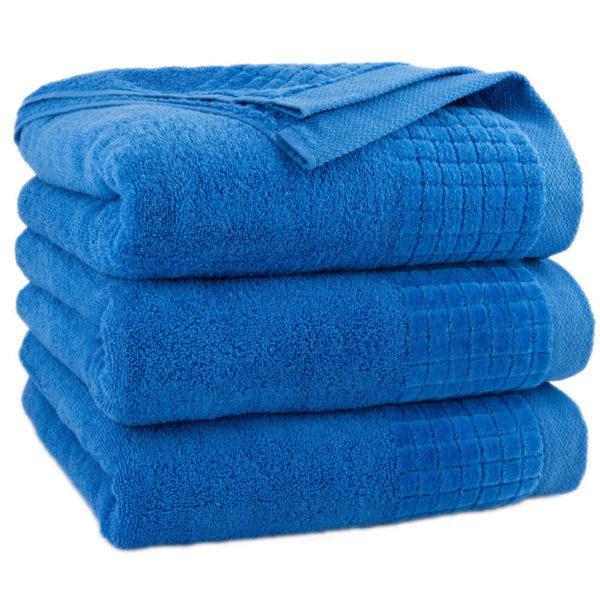 Niebieski ręcznik Paulo firmy Zwoltex.