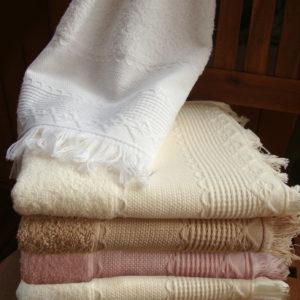 Ręczniki Boho od firmy Greno.