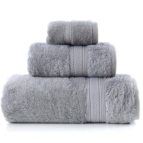 Stalowe ręczniki Egyptian firmy Greno.